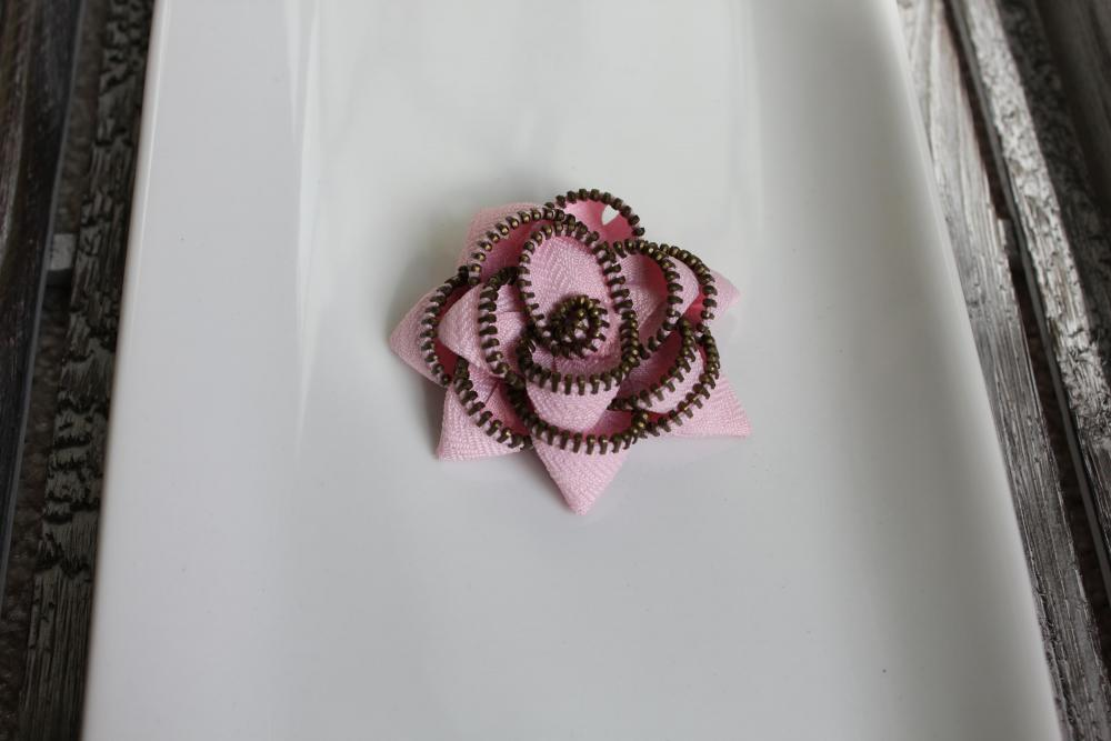 Cotton Candy (Pink) Zipper Flower Pin/Hair Clip